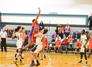 Hostos women's basketball team,Caimans, wrapped up its historic season this weekend, finishing 5th in the nation at the National Junior College Athletic Association Tournament.